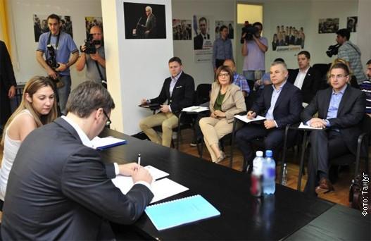 Sednica Predsedništva SNS: tresla se gora – rodio se….