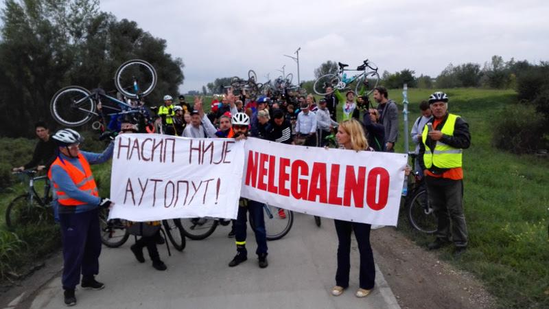 Kritična masa upravo završena: Protest za Savski nasip na Novom Beogradu!
