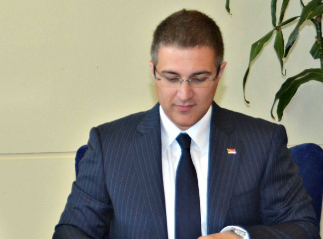 Nebojša Stefanović: Srbija se ni na koji način ne meša u kretanje izbeglica