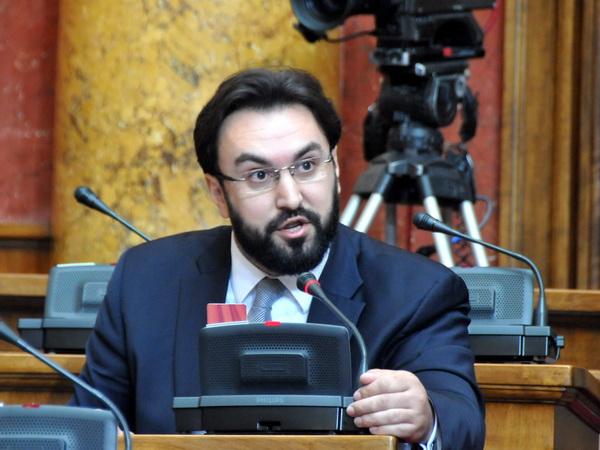 Skupština Srbije: Šta su poslanici pitali Vladu?