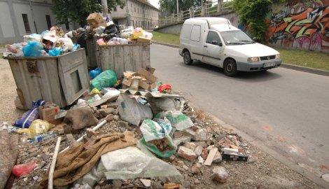 LSV: gomila se đubre na novosadskim ulicama