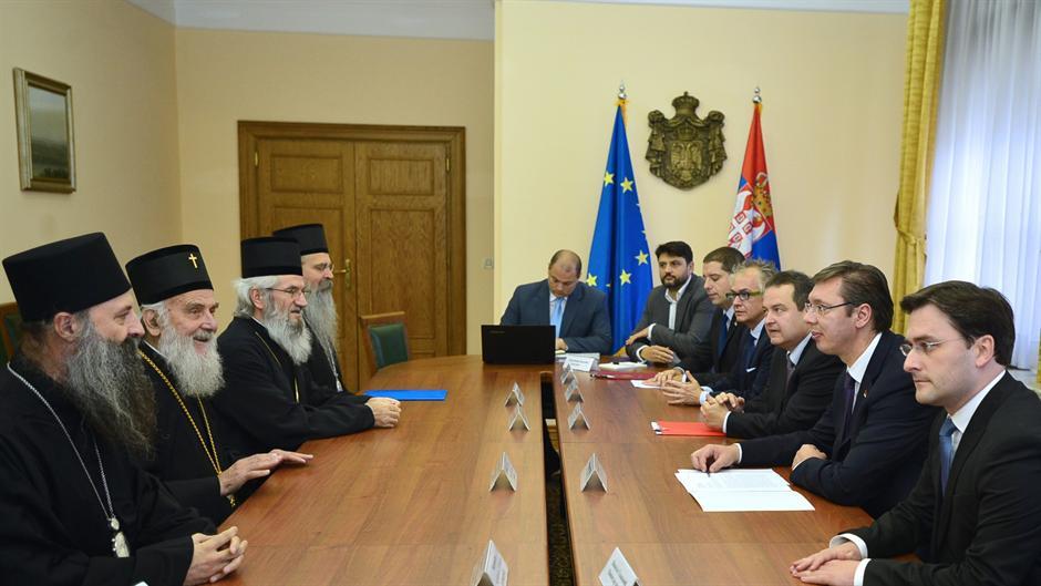 Premijer Vučić sreo se sa patrijarhom Irinejom