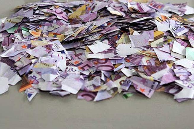 Osveta za nebrigu: Bakica pre smrti pocepala novčanice vredne 950.000 evra