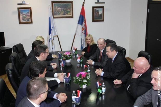 Sastanak rukovodstva SNS i SPS: izbora neće biti!