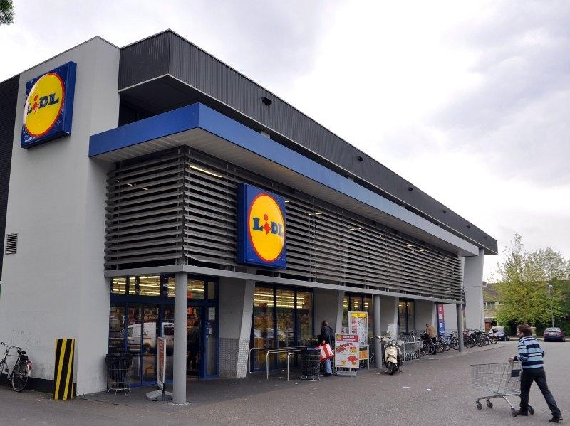 Kroz zid ušli u supermarket