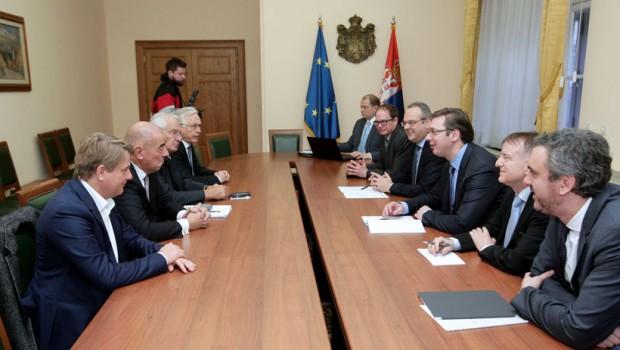 """Aleksandar Vučić razgovarao sa direktorom kompanije za proizvodnju najmodernijih sistema rasvete """"Cumtobel"""""""