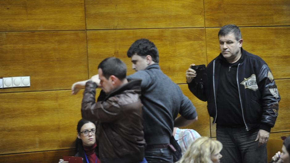 Posle incident na Fakultetu političkih nauka: SKOJ tuži dekana