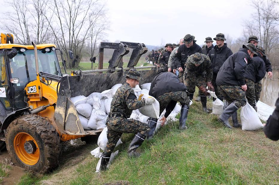 Žandarmerija na poplavljenim područjima