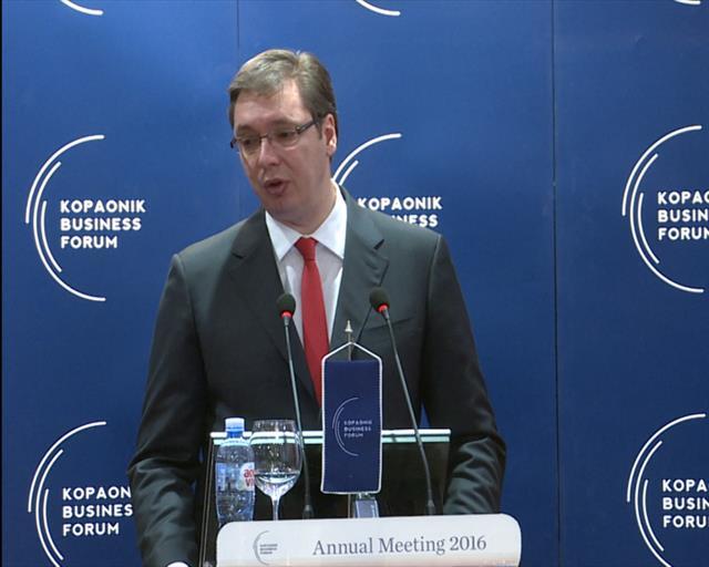 Vučić najavio da će Vlada proglasiti stanje elementarne nepogode u nastradalim opštinama