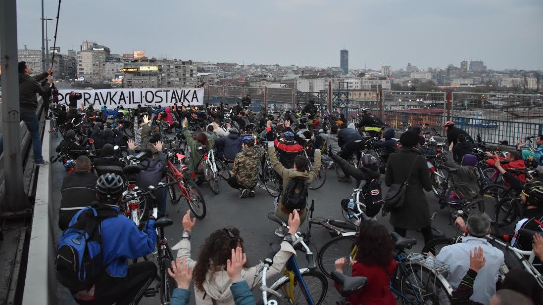Proces biciklista: neka Siniša Mali pređe sa reči na dela
