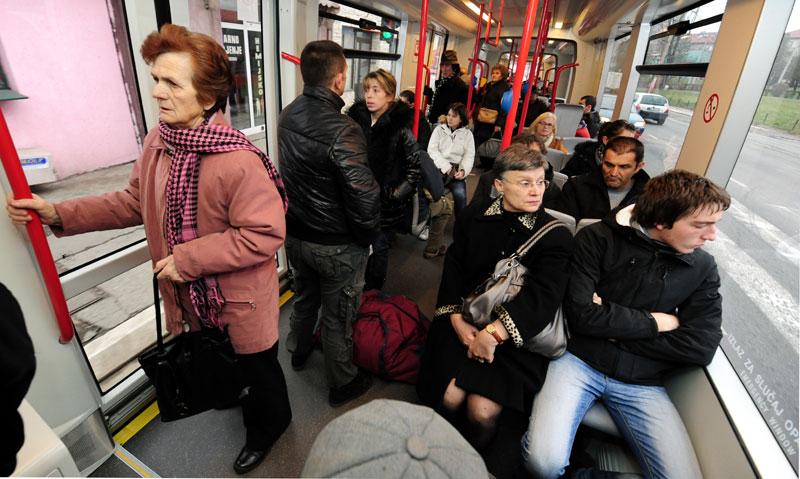 Pijani Muhamed pretio putnicima u autobusu GSP