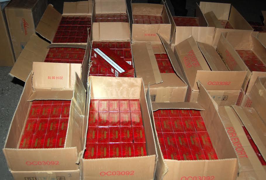 Policija sprečila šverc 30.000 paklica cigareta
