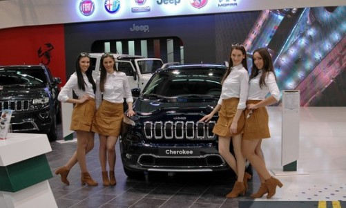 najboljiauto-jeep-hostese-542x34011