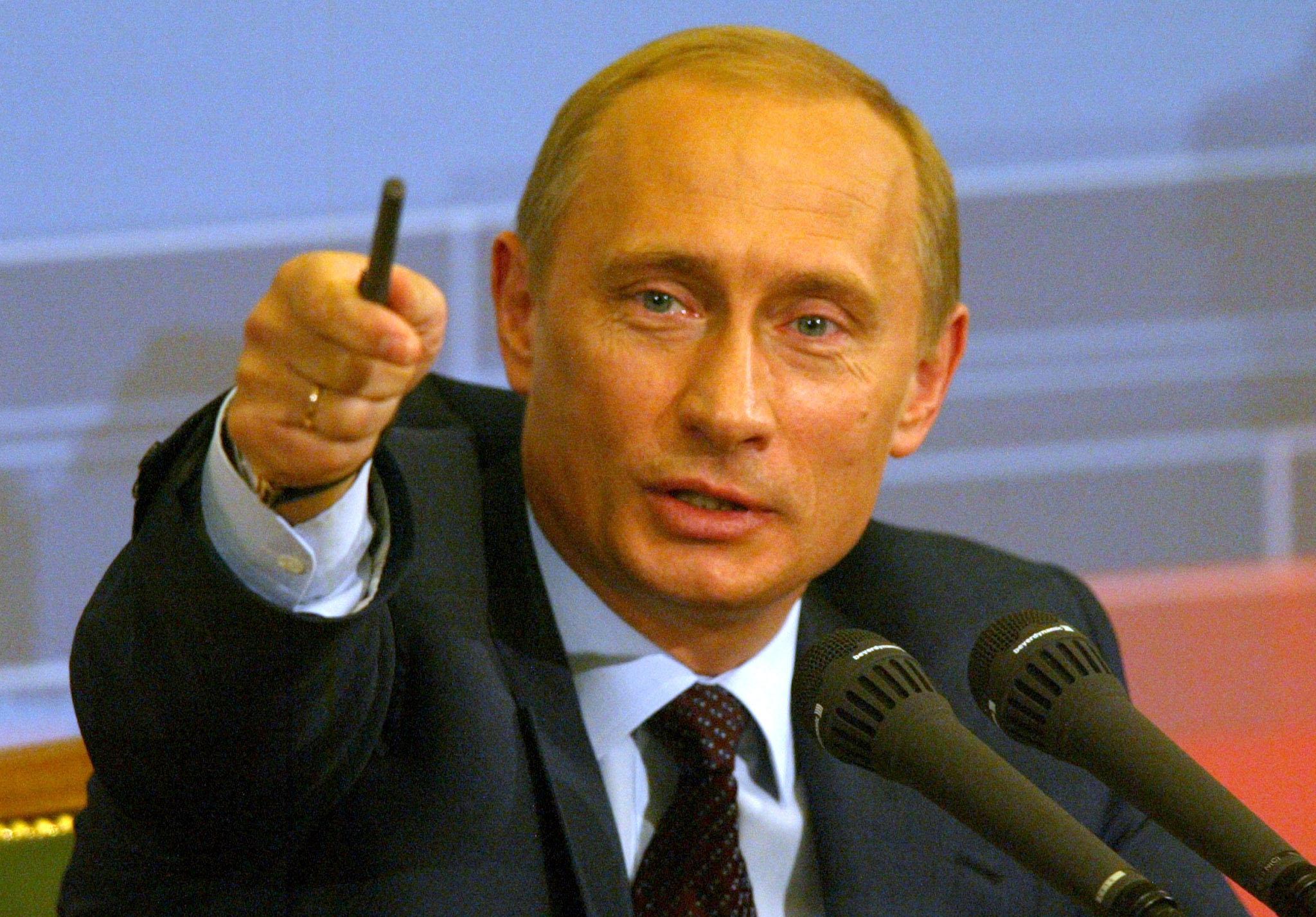 Boris Rajšuster, Putuinov nemački biograf: Putin širi svoju vojsku  širom Evrope