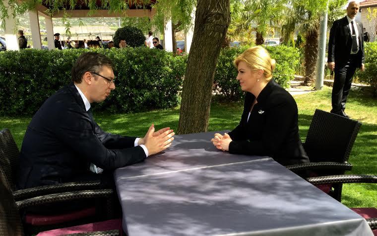 Susret Vučića i Grabar Kitarović bez izjava