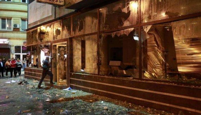 """Protesti u Skoplju: Ivanov poručio da će mu """"istorija suditi"""""""