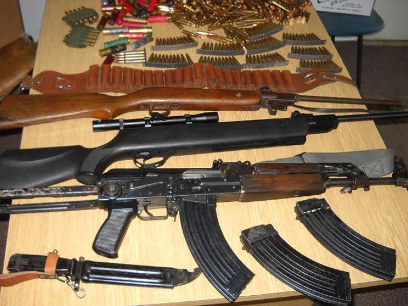 Na teritoriji Inđije policija zaplenila veliku količinu oružja
