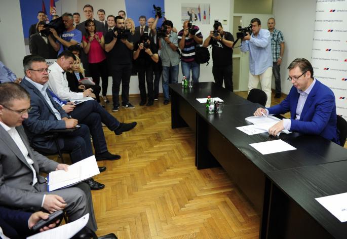 Sednica Predsedništva SNS: Vučić najavljuje velike kadrovske promene