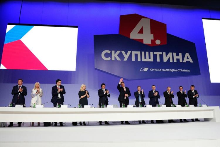 Izborna skupština SNS: Vučić ponovo predsednik stranke
