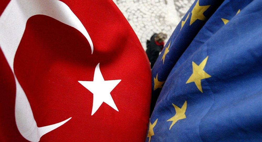 EU: Turcima se ukidaju vize!?