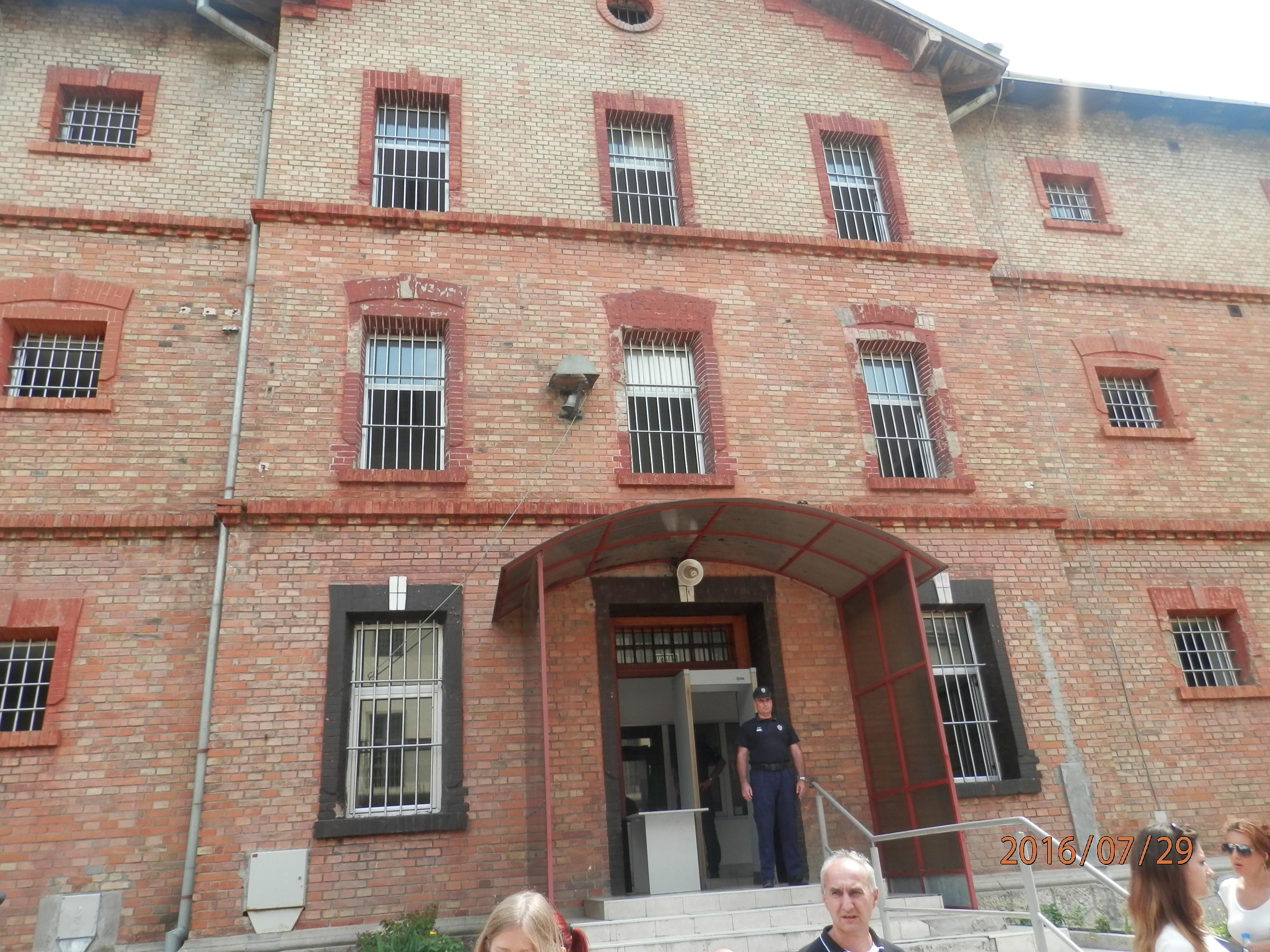 Novinari posetili renovirani Šesti paviljon KPD u Sremskoj Mitrovici