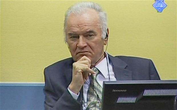 Hag: advokati Mladića traže zaustavljanje postupka