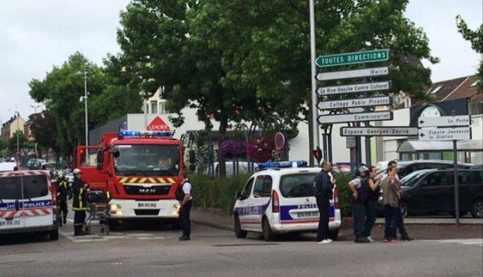 Francuska: kidnaperi s noževima pritvorili šestoro ljudi