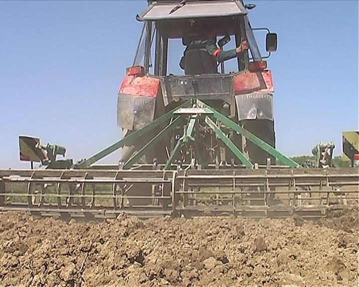 Apel paora:Ministarstvo da pomogne poljoprivrednicima a ne da ih uništava
