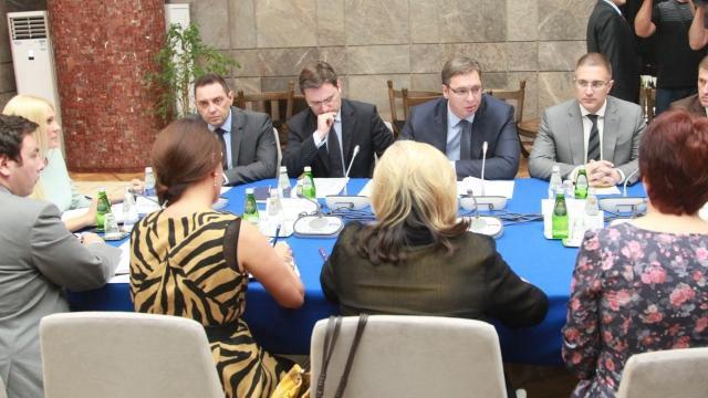 Vučić najavio strože kazne za siledžijstvo u porodici