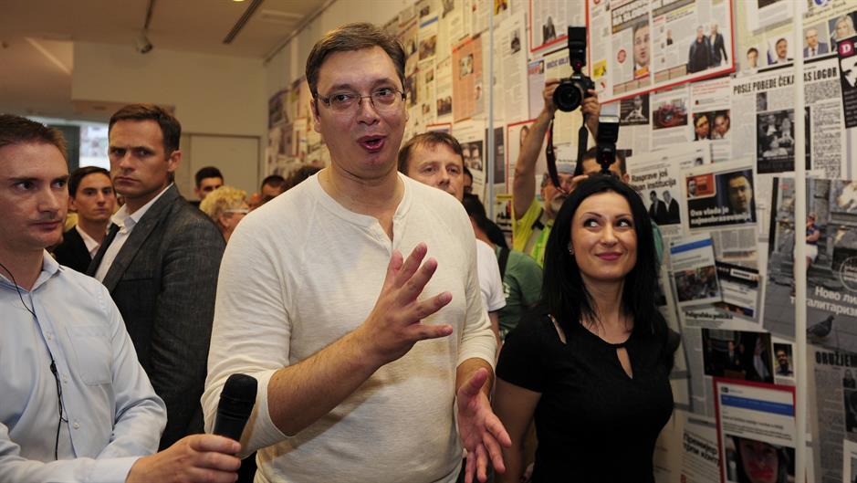 """Vučić posetio izložbu Necenzurisane laži"""": """"Odslikava demokratski duh srpskog društva"""""""
