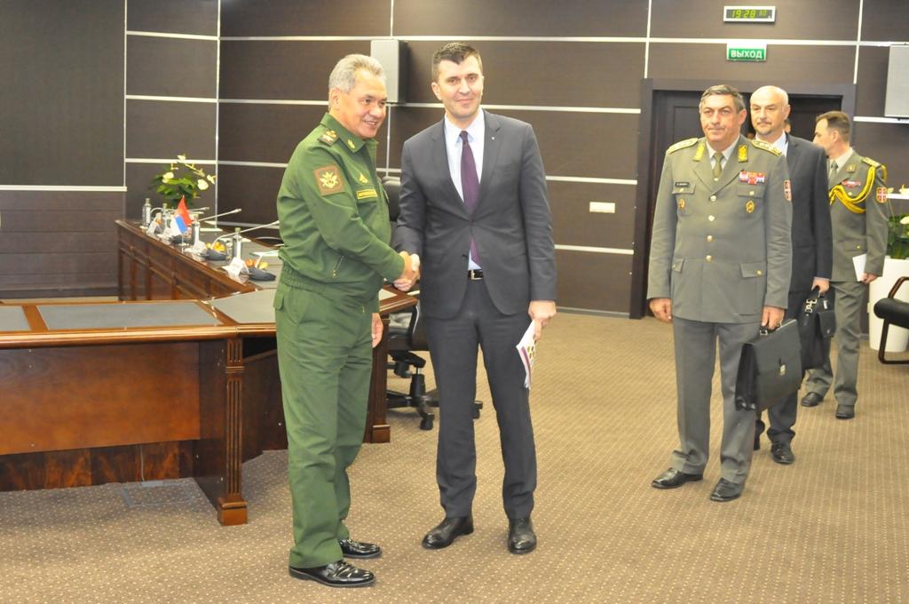 Đorđević i Šojgu o daljem unapređenju saradnje Srbije i Rusije