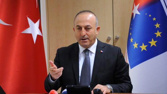 Melvut Čavušoglu: Turska (još) čeka bezvizni režim