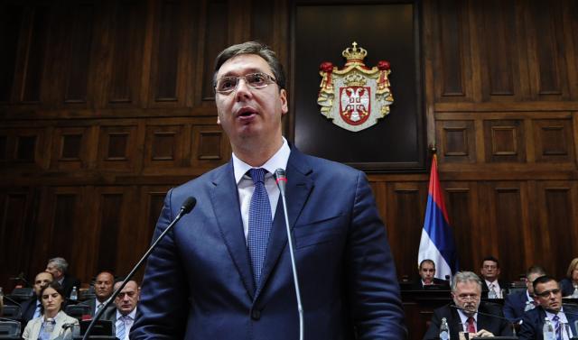 Aleksandar Vučić počeo da čita ekspoze o radu buduće vlade