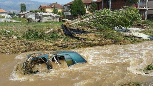 Trenutni bilans strašnog nevremena koje je pogodilo glavni grad Makedonije je 20 mrtvih i nekoliko nestalih, dok je 22 zbrinuto u bolnicama usled povreda nastalih tokom poplave. To je medijima saopštile načelnica Sektora Ministarstva unutrašnjih poslova za odnose sa javnošću, Natalija Spirova Kodrić.