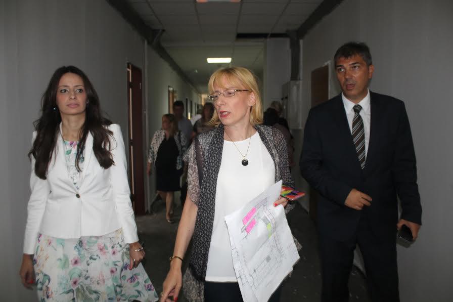 Ministarka pravde Kuburović obišla radove na adaptaciji zgrade SIV 2