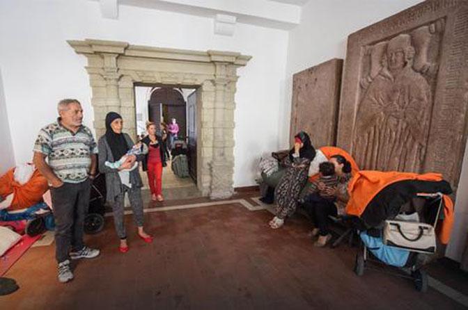 Romi zapadnog Balkana okupirali katedralu u Nemačkoj