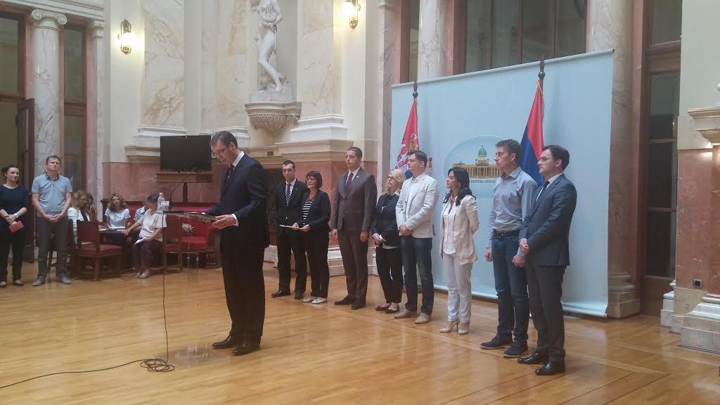 Sutra Vučić podnosi ekspoze od 419 strana i predlaže Vladu
