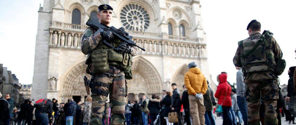 Sprečen novi napad u Parizu – na udaru Notr Dam