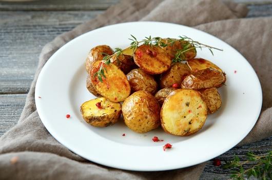 Recepti: pečeni krompir s ruzmarinom