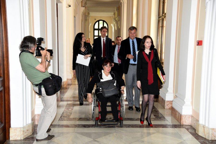 Skupština Srbije: Brutalna diskriminacija poslanice DJB