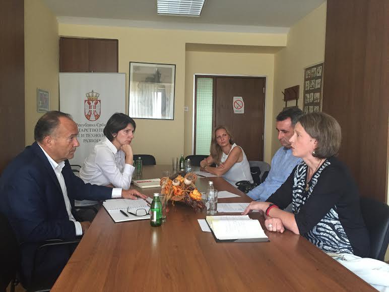 Ministar prosvete razgovarao sa roditeljima Alekse Jankovića