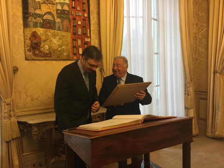 Pariz: Vučič na doručku kod predsednika Senata Francuske Laršea