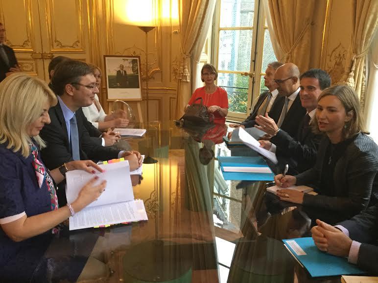 Pariz: Vučić razgovrao sa premijerom Francuske Manuelom Valsom