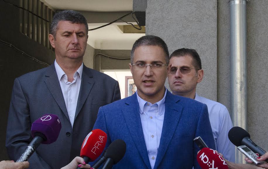 Ministar Stefanović u Šidu: migranti bez dokumenata – kod sudije za prekršaje
