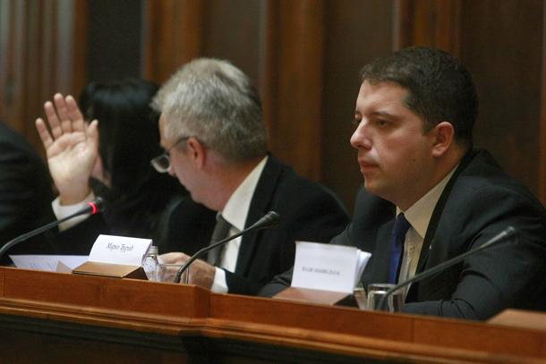 Sednica Skupštinskog Odbora za KiM: direktor Đurić vređao poslanike opozicije!
