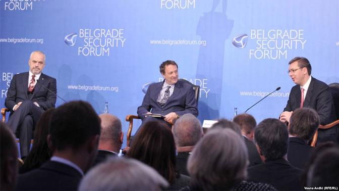 Rama i Vučić na Forumu o bezbednosti: ćaskanje o (ne) slaganju!