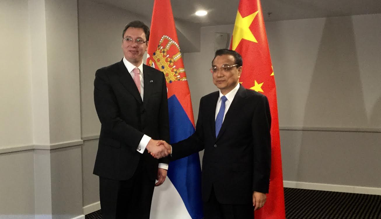 Riga: Razgovarali premijeri Vučić i Kećang