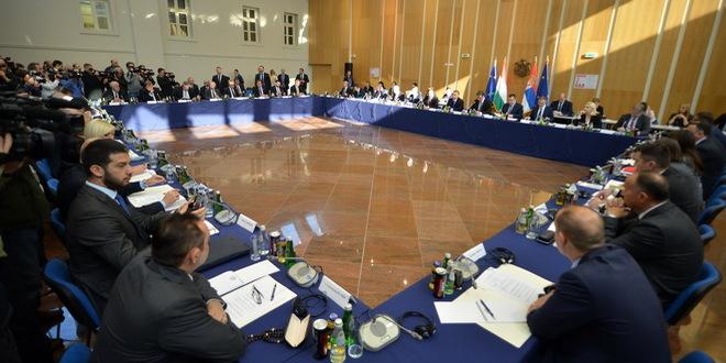 NIŠ: Održana zajednička sednica vlada Mađarske i Srbije