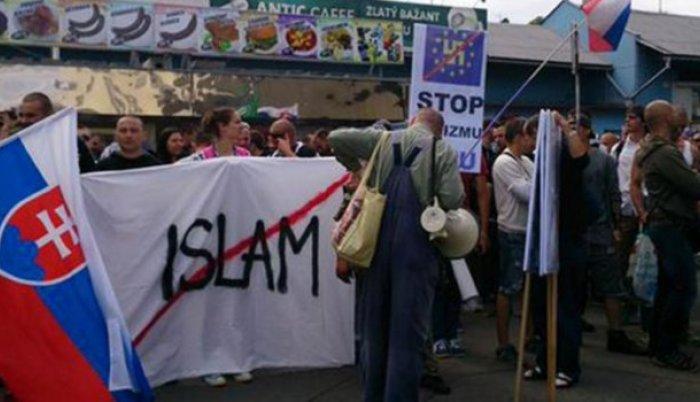 Slovačka ne priznaje islam kao religiju