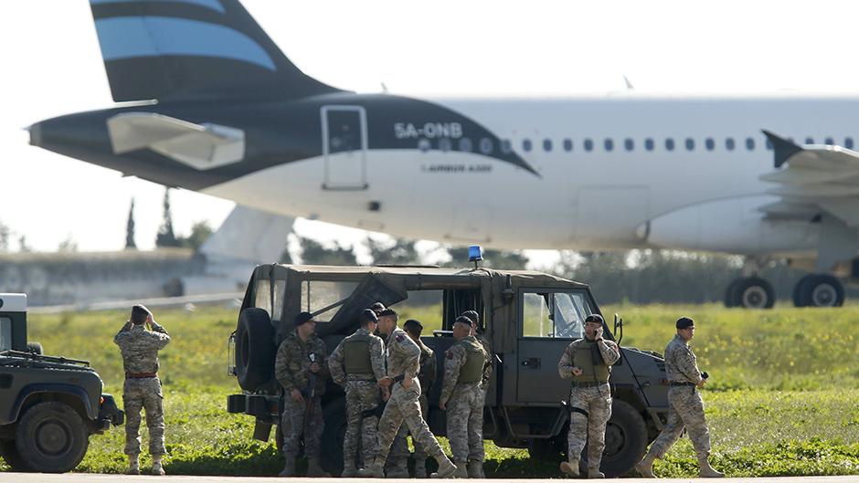 Malta: otet avion sa 118 ljudi